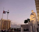 fidel-homenaje-plaza-ruso